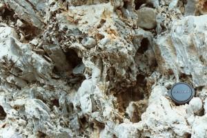 vuggy porous medium